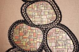 Série Partage n°4 net broderie noir, dorure et peinture sur tissu - 32 x 52 cm - nov 2019